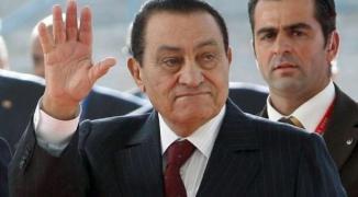شاهد: اللحظات الأخيرة للراحل مبارك قبل تنحيه عن رئاسة مصر