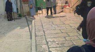 بالفيديو والصور: قوات الاحتلال تُغلق أبواب المسجد الأقصى المبارك
