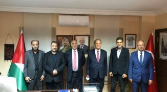 حركتا فتح وحماس تصدران بياناً مشتركاً حول لقاء الشراكة في إسطنبول