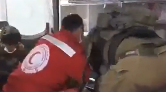 الاحتلال يعتدي على شاب داخل سيارة إسعاف في الأغوار