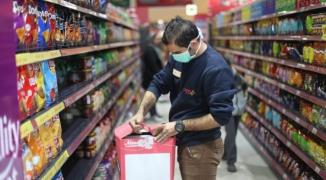 اقتصاد غزة: سنضرب بيدٍ من حديد على أي تاجر يحاول رفع أسعار السلع