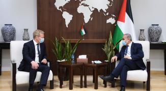 تفاصيل لقاء اشتيه مع المبعوث الأوروبي لعملية السلام في الشرق الأوسط