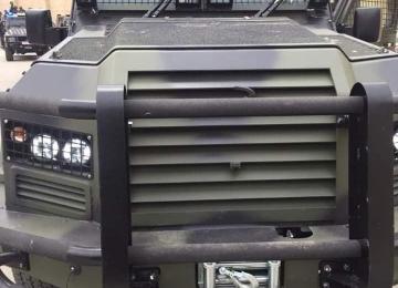 بالصور: إسرائيل تسمح بإدخال مركبات مدرعة إلى السلطة