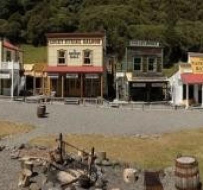 شاهدوا: بلدة نيوزيلندية فريدة تعرض للبيع بنحو 11 مليون دولار