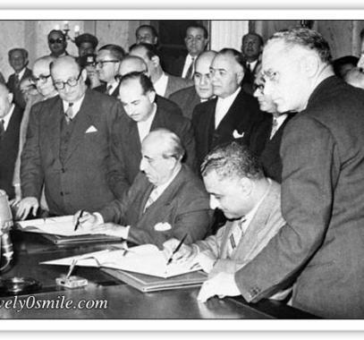 -اعلان الوحده بين مصر وسوريا وقيام دوله الجمهورية العربية المتحدة.