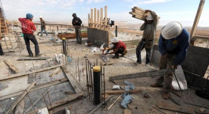 """العمل تعلن صرف مساعدات مالية للعمال المتضررين من أزمة """"كورونا"""""""