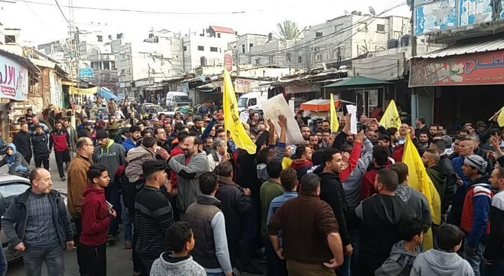 بالصور: مسيرة تأييد ودعم للرئيس عباس في مخيم المغازي وسط القطاع