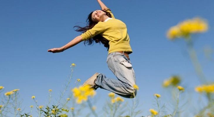 """دراسة طبية: انتظر حتى تبلغ هذا """"العمر"""" وستأتيك """"السعادة"""""""