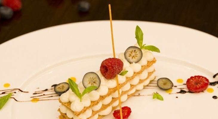 """بالفيديو: طريقة تحضير """"ميلفيه بالكاسترد"""" على طريقة المطاعم"""