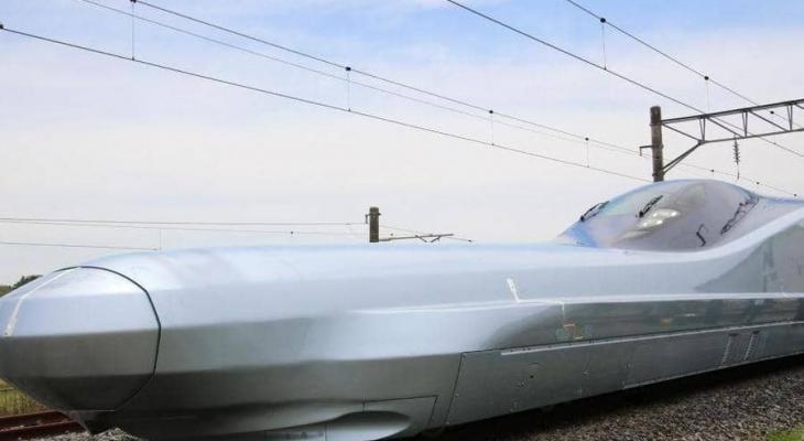 """بالفيديو: """"الرصاصة"""" اليابان تكشف عن أسرع قطار في العالم"""