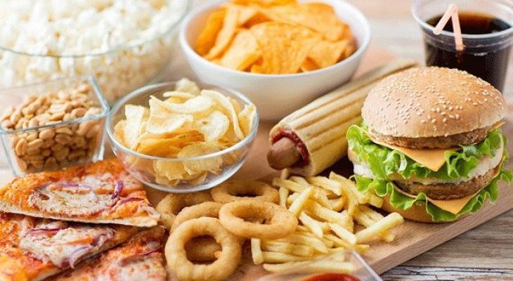 """تعرفوا عليها: 10 أطعمة """"يجب نسيانها"""" إن كنت تعاني ارتفاع ضغط الدم"""