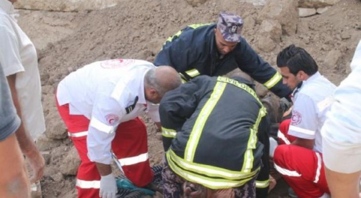 الدفاع المدني يتمكن من انتشال 3 أطفال من تحت أنقاض منزل بغزّة
