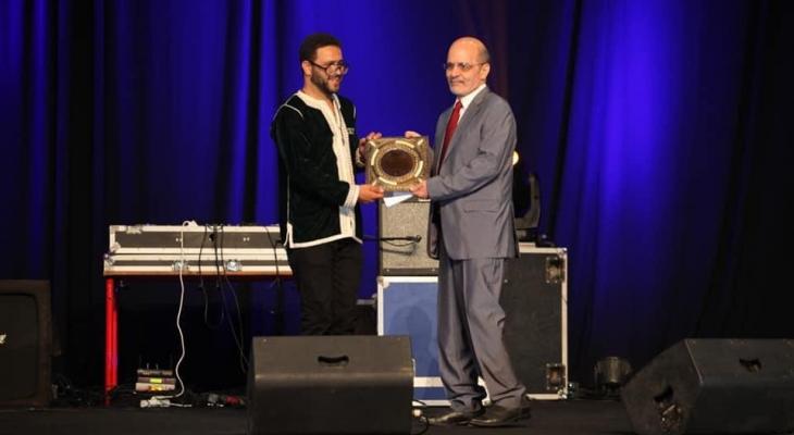 """بالصور: تكريم الكاتب المصري إلهامى المليجي في مهرجان """"شابكة"""" بنسخته التاسعة"""
