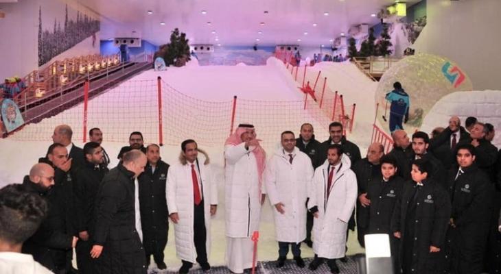 """بالصور: السعودية تفتتح """"مدينة الثلج"""" في مصر"""