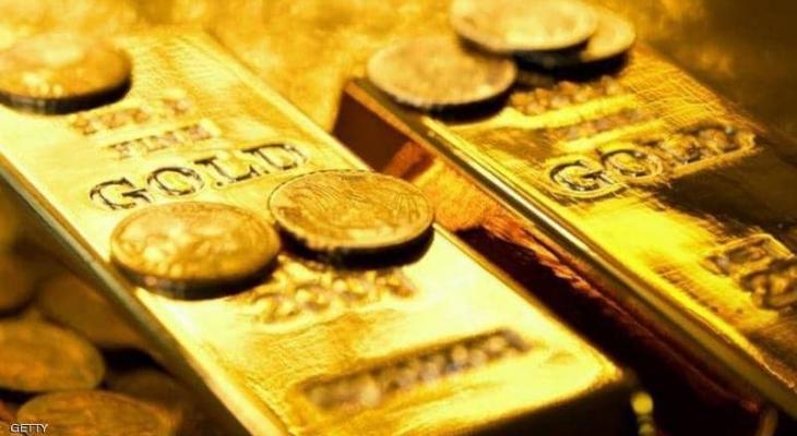 """التوترات """"الإيرانية"""" ترفع سعر الذهب والدولار يضعف المكاسب"""