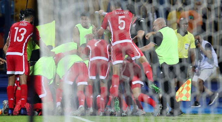 """بالفيديو: منتخب """"تونس"""" يتأهل لدور النصف النهائي من بطولة كأس الأمم الإفريقية"""