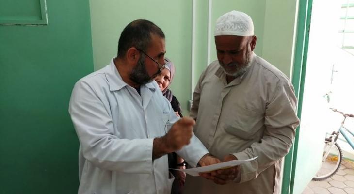 صحة غزّة تتحدث عن إقبال المواطنين على مراكز التطعيم في كافة المناطق