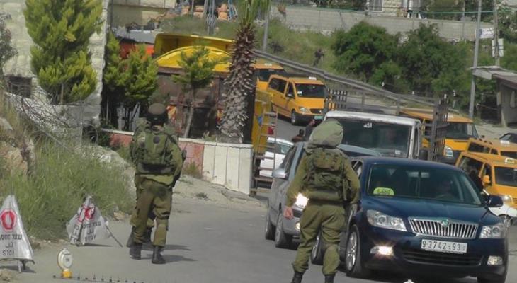 الاحتلال يواصل حصاره لبلدة بجنين ويُفتّش منازل مواطنين.jpg