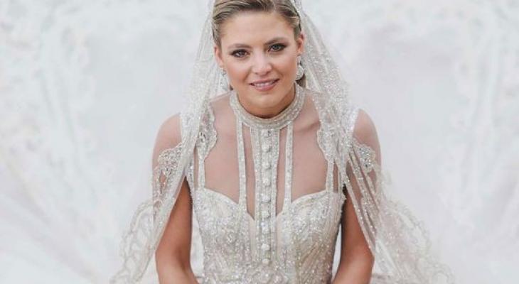 الإطلالة الأولى لعروس إيلي صعب جونيور في شهر العسل