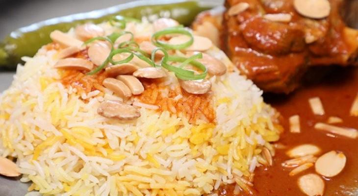 """بالفيديو: طريقة عمل """"أرز مديني"""" باللحم لغداء العيد"""
