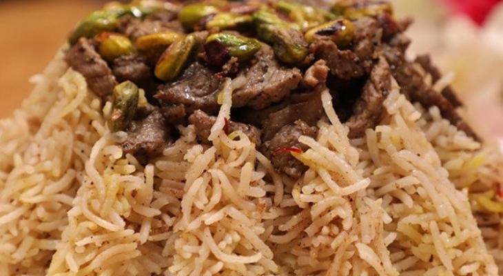 """بالفيديو: طريقة عمل """"الأرز المبهر"""" على الطريقة الأصلية"""