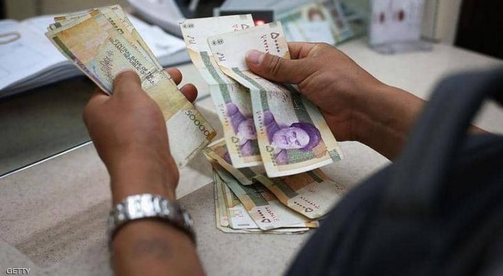 """أسوأ من التوقعات """"الانكماش"""" يبتلع الاقتصاد الإيراني"""