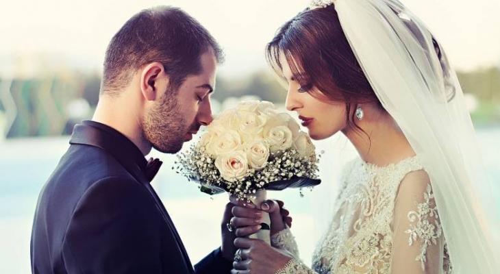 """هل تعلمى """"سيدتي"""" ايهم افضل الزواج عن حب أم الزواج التقليدي ؟!"""