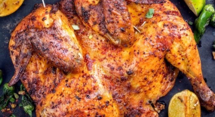 """طريقة عمل """"دجاج مشوي"""" بالباربيكيو والبهارات"""
