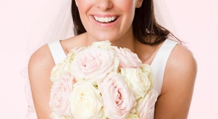 """4 خطوات لاختيار """"زهور"""" الزفاف"""