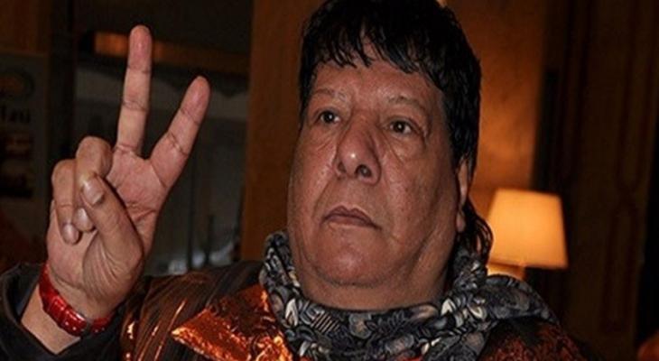 """فيديو: وفاة مطرب أغنية """"أنا بكره إسرائيل"""" في مستشفى المعادي بمصر"""
