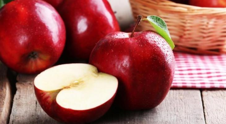 """بالفيديو:  ما أهمية تناول """"تفاحتين"""" يوميا لصحتك؟"""