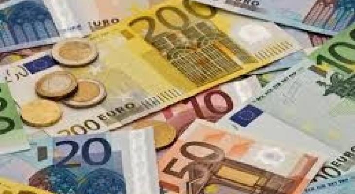"""العملة الأوروبية """"اليورو"""" يهبط لأدنى مستوياته"""