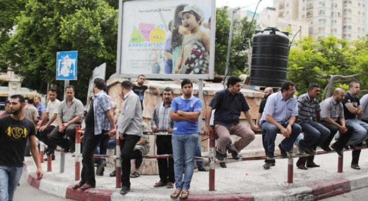 """تسهيلات اقتصادية بـ""""القطارة"""".. هل تؤدي لتعافي اقتصاد غزّة الهش؟!"""