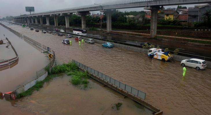 انهيار جسر معلق