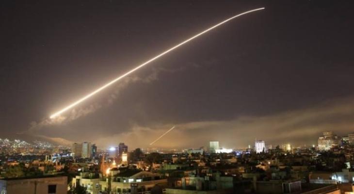 """الدفاعات الجوية السورية تتصدى لهجوم إسرائيلي على مطار """"تي فور"""" بحمص"""