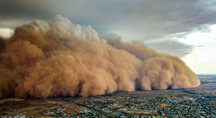 """بالصور: بعد الحرائق والأمطار """"عاصفة ترابية"""" عملاقة تضرب أستراليا"""