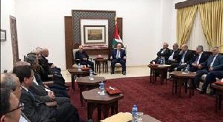الرئيس يستقبل لجنة التواصل الفلسطينية مع المجتمع الإسرائيلي.JPG