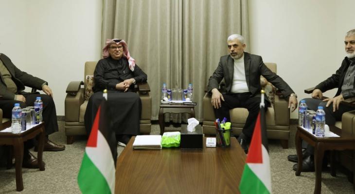 """""""حماس"""" تكشف تفاصيل اجتماع قيادة الحركة مع العمادي في قطاع غزة"""