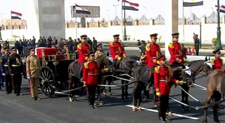 بالفيديو: تشييع الرئيس المصري الأسبق محمد حسني مبارك بجنازة عسكرية