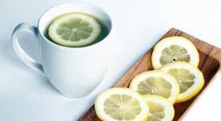 """شاهدوا: 10 فوائد لشرب الماء مع """"الليمون والعسل"""" في الصباح """" الباكر"""" على الريق"""