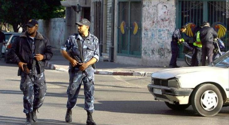 الشرطة بغزة تُقرر إغلاق المقاهي والمطاعم وصالات الأفراح وتعطيل صلاة الجمعة