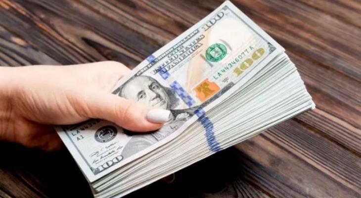 """""""أفضل من المتوقع"""" الدولار يرتفع بعد تقرير أميركي"""
