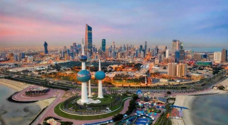 """بالفيديو: جدل في """"الكويت"""" بسبب ارتداء الرجال  """"المايوه"""""""