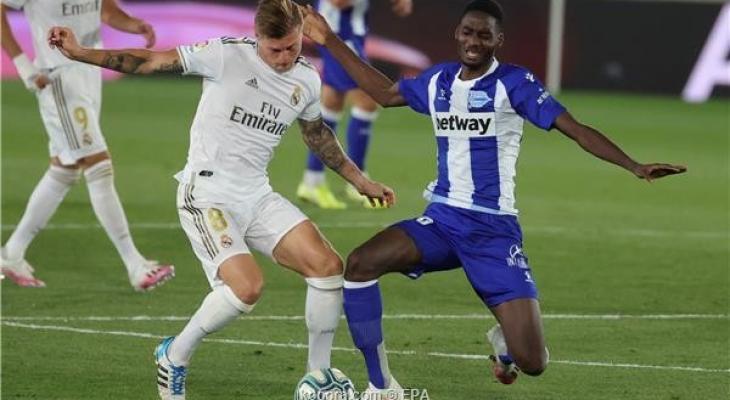 ثنائية استثنائية تضع قدم ريال مدريد الأولى على منصة التتويج I4zdB