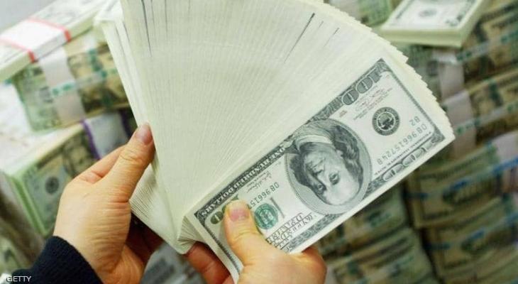 الدولار الأميركي إلى أدنى مستوياته في أسبوعين