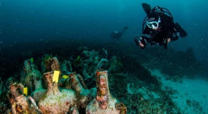 """بالفيديو: اليونان تفتتح أول """"متحف"""" تحت الماء في العالم"""