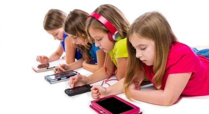 تدمير الهواتف لعقول الأطفال