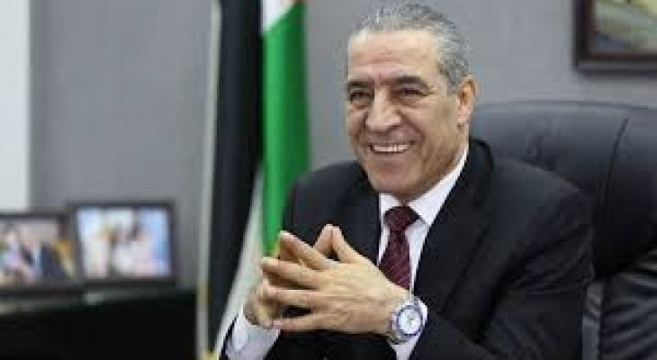 حسين الشيخ.