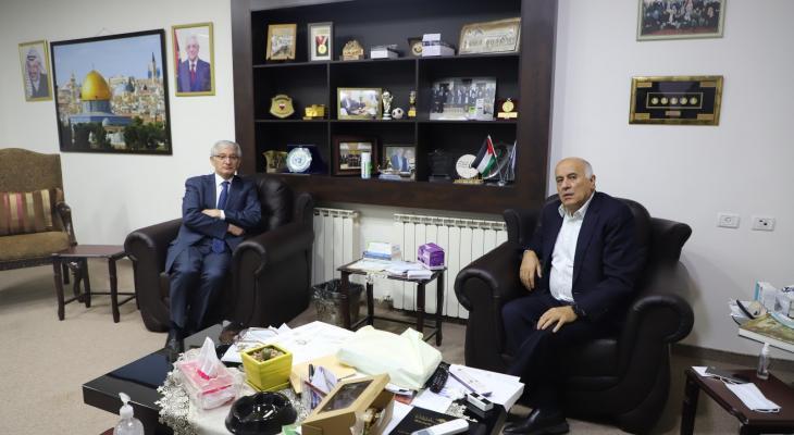 تفاصيل لقاء الرجوب مع السفير التركي في القدس
