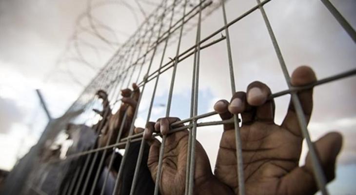 فروانة: أسرى قطاع غزة يعانون في سجون الاحتلال